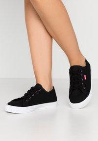 Levi's® - MALIBU BEACH - Sneakers laag - regular black - 0