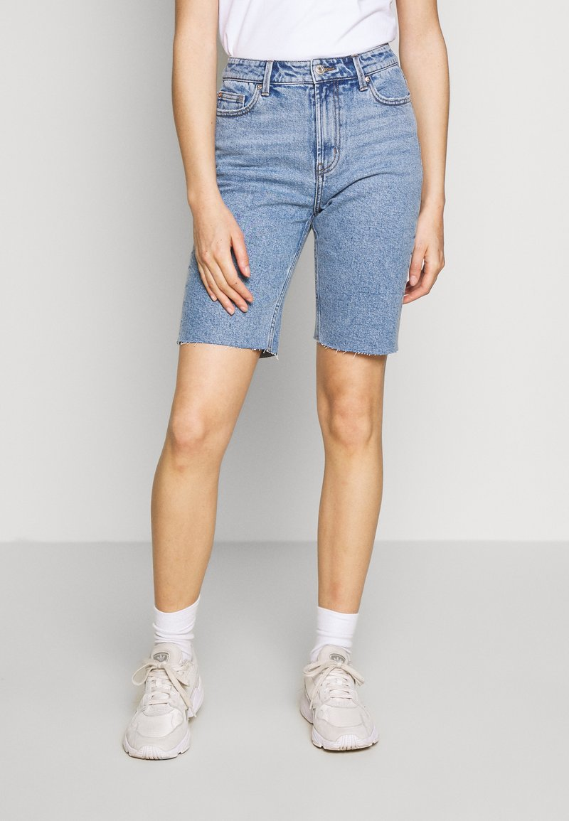 ONLY - ONLEMILY LONG  - Shorts di jeans - light blue denim