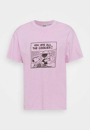 SNOOPY COOKIES TEE - Printtipaita - pink
