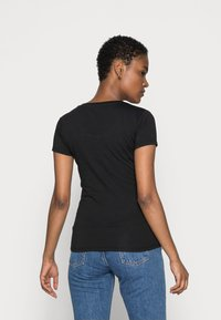 Guess - ROSES TEE - T-shirt print - jet black - 2