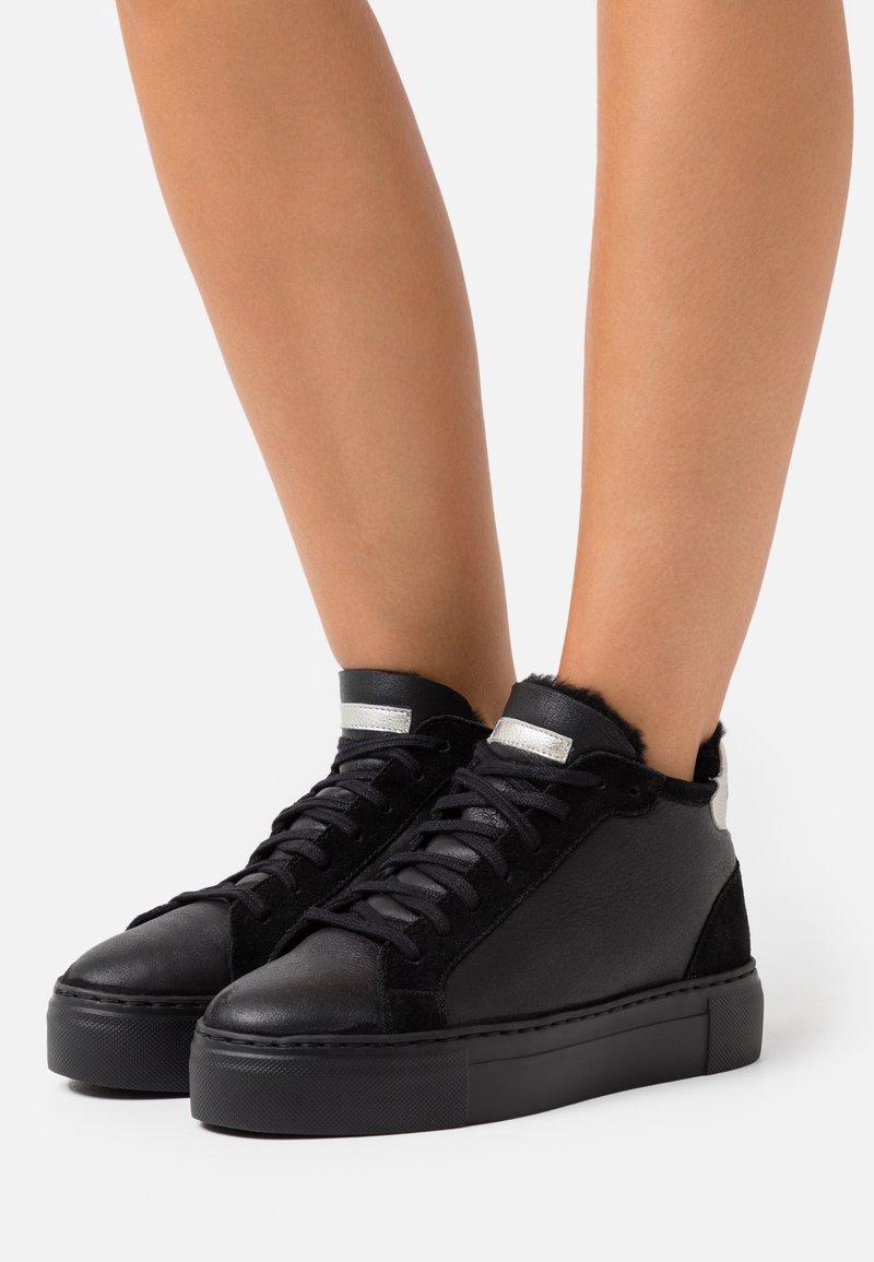 MAHONY - BERN - Sneakers hoog - black