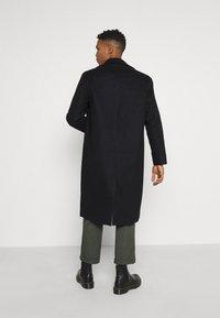 Mennace - TAILORED COAT - Classic coat - navy - 2