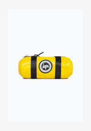 DISNEY MONSTERS SCREAM PENCIL CASE - Etui - yellow
