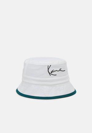 SIGNATURE REVERSIBLE BUCKET HAT  - Hat - green/white