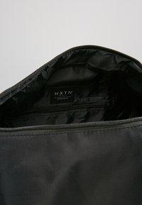 HXTN Supply - PRIME DUFFLE - Sportovní taška - black - 4