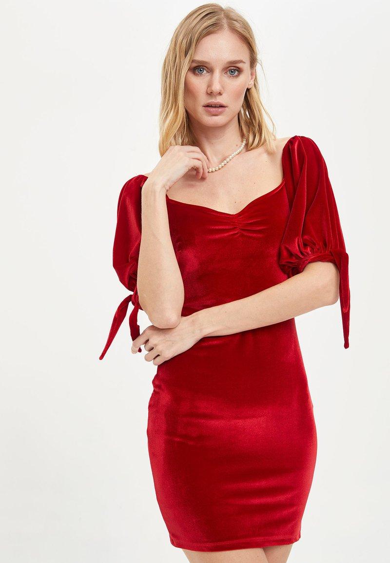 DeFacto - Cocktailklänning - bordeaux