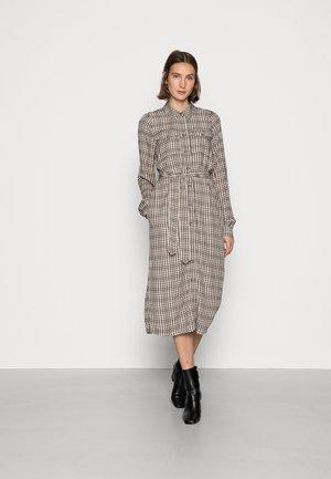 KAMEARA DRESS - Robe chemise - amphora/black