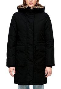 s.Oliver - MIT PLÜSCH-DETAILS - Winter coat - black - 3