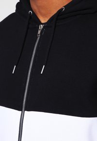 YOURTURN - Zip-up hoodie - black/white - 3