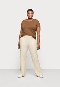 Noisy May Curve - NMALLY LOOSE PANT CURVE - Pantaloni - off white / melange - 1