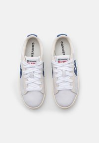 Converse - PRO OG UNISEX - Trainers - white/rush blue/egret - 3