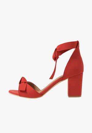 ESTELA - Sandales - red