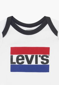 Levi's® - CLASSIC SPORTSWEARLOGO SET - Baby gifts - white - 3