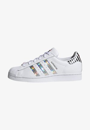 SUPERSTAR W - Baskets basses - ftwwht/trupnk/cblack