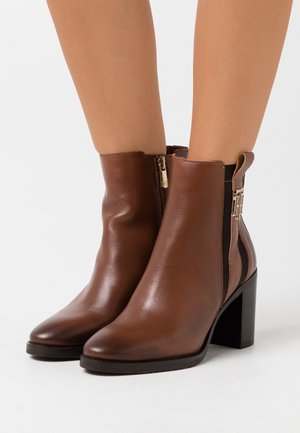 INTERLOCK BOOT - Bottines à talons hauts - pumpkin paradise