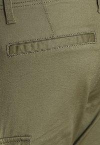 Name it - NITBAMGO  - Cargo trousers - deep lichen green - 2