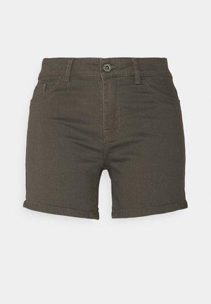 VMHOTSEVEN - Shorts - beluga