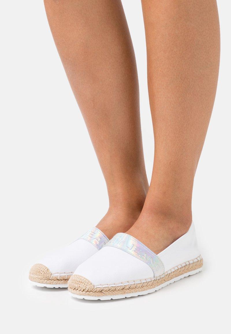 Tommy Jeans - IRIDESCENT BRANDING  - Espadrilles - white