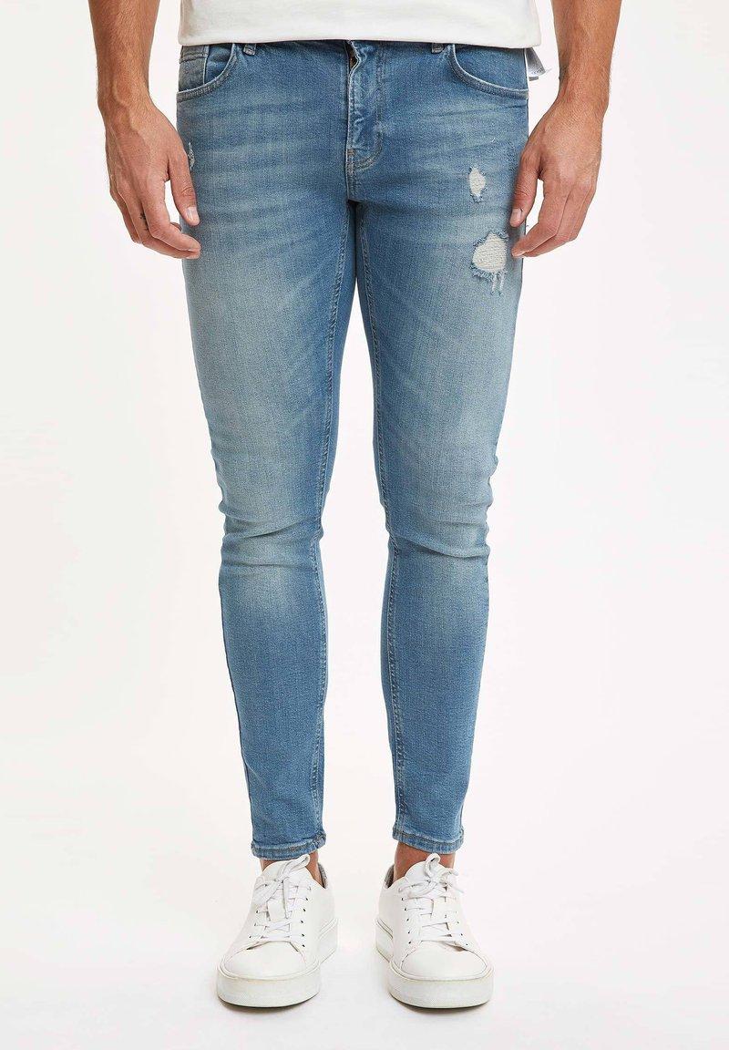DeFacto - Slim fit jeans - green