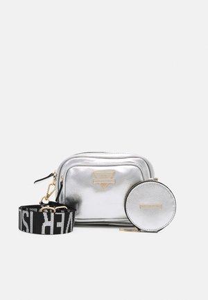 SET - Across body bag - silver-coloured