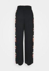 Billabong - SPLIT SPIRIT - Trousers - black - 1