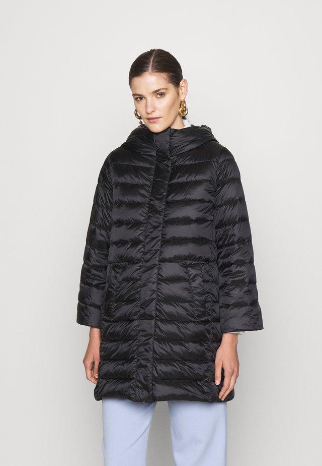 VESPA - Kabát zprachového peří - nero