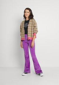 Lee - BREESE - Pantalones - purple - 1