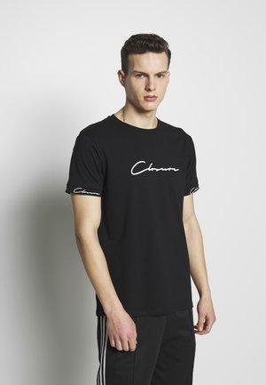 SCRIPT HIDDEN BAND TEE - Print T-shirt - black