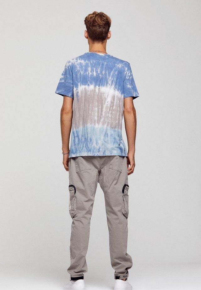 T-shirt print - batic, multicolor