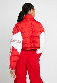 adidas Originals - CROPPED PUFFER - Vinterjacka - scarlet/white - 2