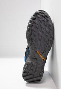 adidas Performance - TERREX SWIFT R2 MID GTX GORETEX HIKING SHOES - Hikingsko - core black/bright blue - 4