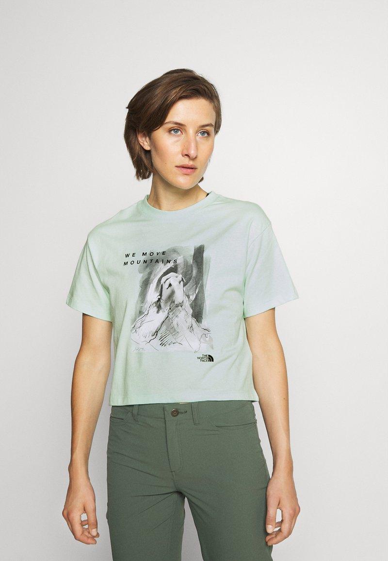 The North Face - CROP TEE - Print T-shirt - misty jade