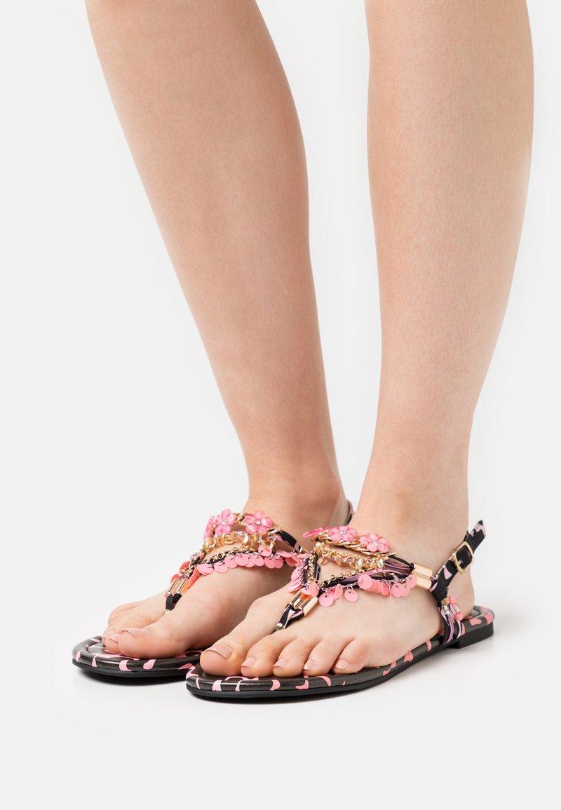 Buffalo - VEGAN REBECCA - T-bar sandals - black/pink