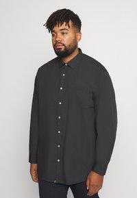 Jack´s Sportswear - FIL A FIL SHIRT BOX COMFORT FIT - Skjorta - dark grey - 3