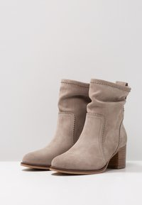 Anna Field - LEATHER BOOTIES - Støvletter - taupe - 4