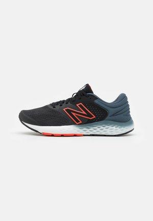 520 - Nøytrale løpesko - black