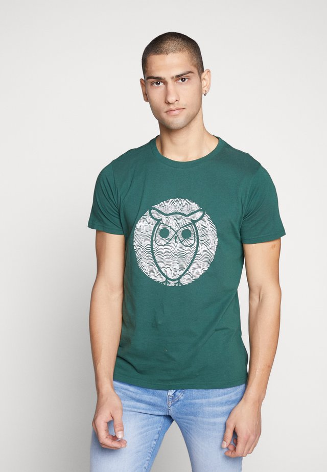 ALDER WAVE OWL TEE - T-shirt con stampa - pineneedle
