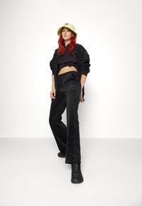 adidas Originals - VELVET PANTS - Joggebukse - black - 4