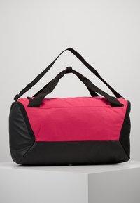 Nike Performance - DUFF 9.0 - Sports bag - rush pink/black/white - 2