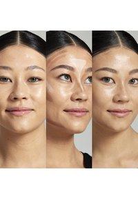 Nyx Professional Makeup - STICK - Contouring - 2 medium - 2