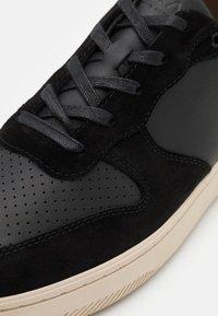 Clae - MALONE - Sneakersy niskie - black - 5