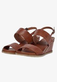 Bianco - Wedge sandals - cognac - 3