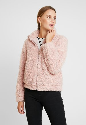 SHORT TEDDY COAT - Winter jacket - blush