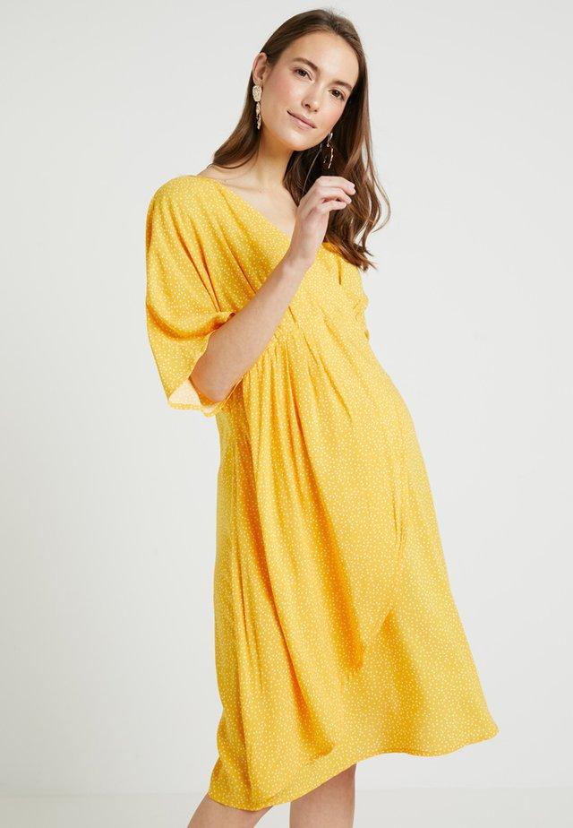 DRESS MAY - Kjole - yellow