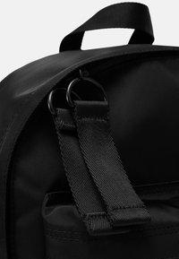 Armani Exchange - BACKPACK UNISEX - Batoh - nero - 4