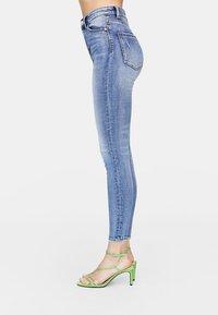 Stradivarius - Jeans Skinny Fit - blue denim - 2