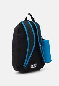 Nike Sportswear - SET UNISEX - Batoh - black/laser blue/volt - 1
