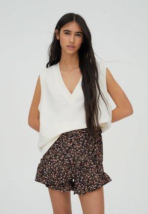 Shorts - brown