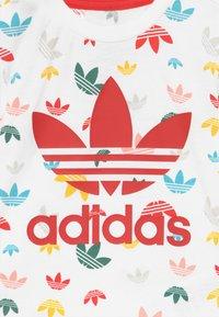 adidas Originals - SET - Pantalones - white/multicolour - 4