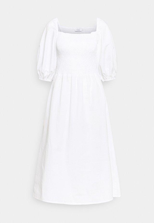 MAXIME - Denní šaty - white